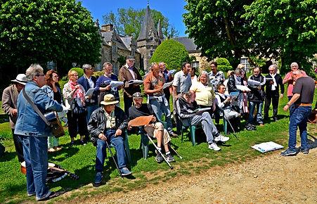 Les Chorales Au Clair de la Rue au festival A travers Chants de Rochefort en Terre