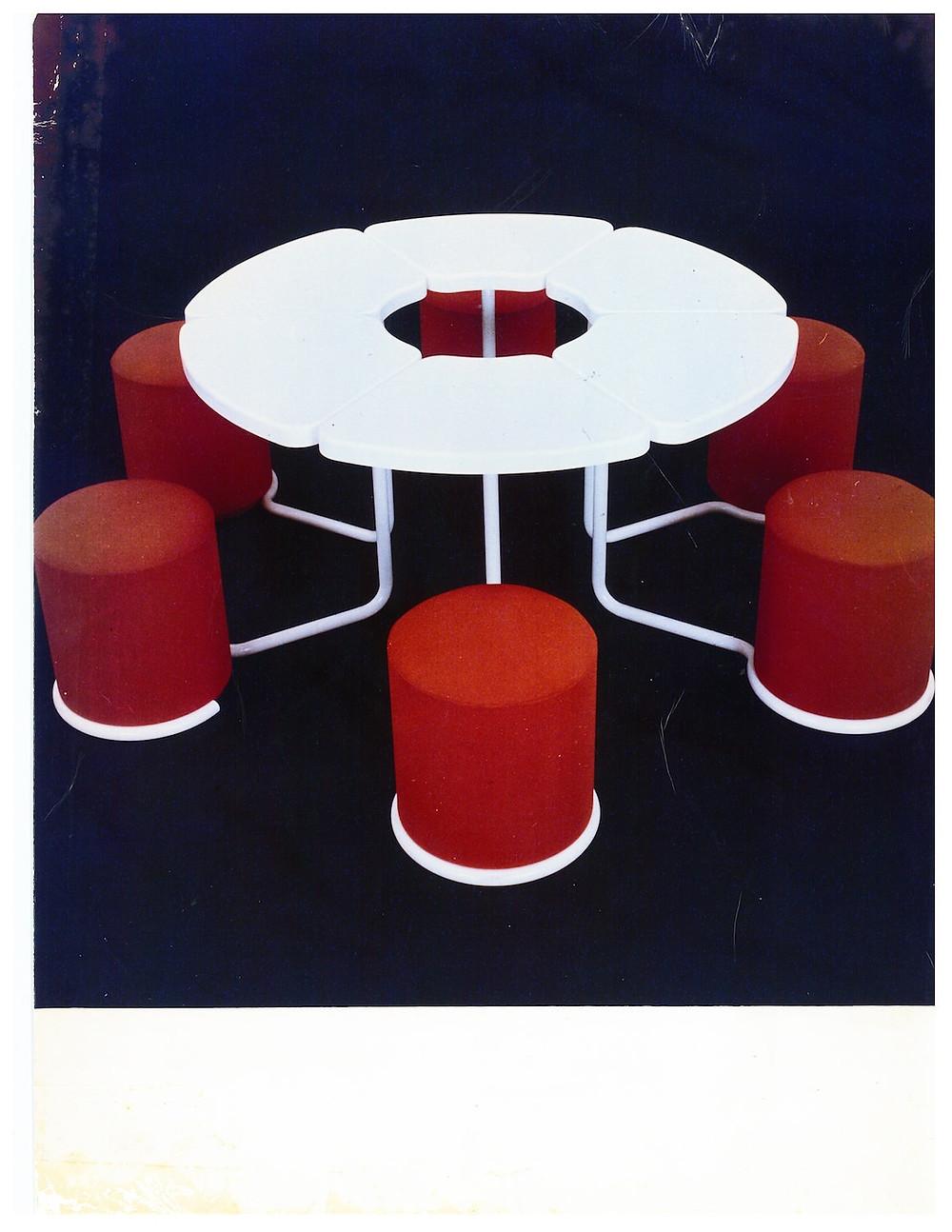 Morgaine seat table