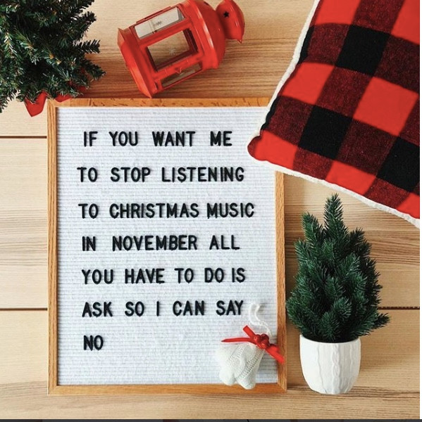 Cute sign from @janinedeanna via @letterfolk. Check out lovinglygray.com for 40 Funny Holiday Letter Board Inspo!