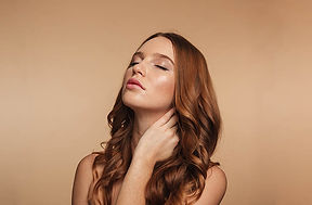 beauty-portrait-mystery-ginger-woman-wit