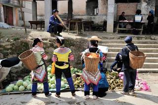 04. Yi minority women, Yuanyang, Yunnan.j