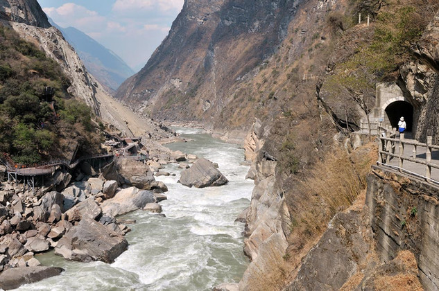 32. Tiger Leaping Gorge, Yangtze River,