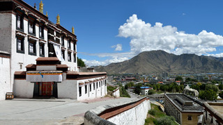 22. Tashilhunpo Monastery, Shigatse.jpg