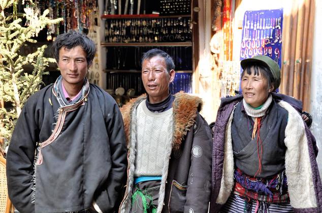 33. Pilgrims from south east Tibet, Zhon