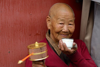 16. Nun at Jokhang Kora.jpg