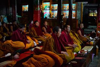 30. Praying session at Shalu Monastery.j