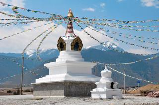 18. Stupa, Zhongdian.jpg