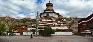 04. Kumbum Stupa, Gyantse.jpg