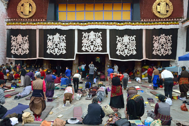 04.  Jokhang Monastery, Lhasa.jpg