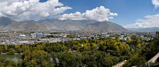 05. North Lhasa seen from the Potala Pala