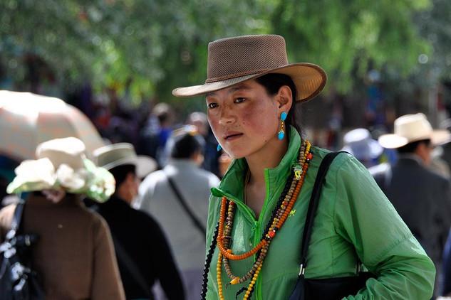 28. Fashionable appearance at the Potala