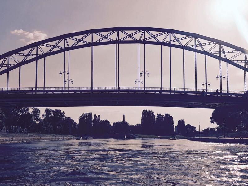 5.Mosoni – Duna a Kossuth híddal.jpg