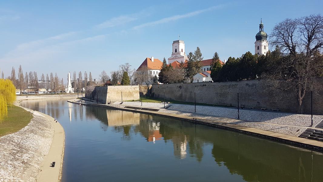 1.A Káptalan – Győr látképe a Rába kettő