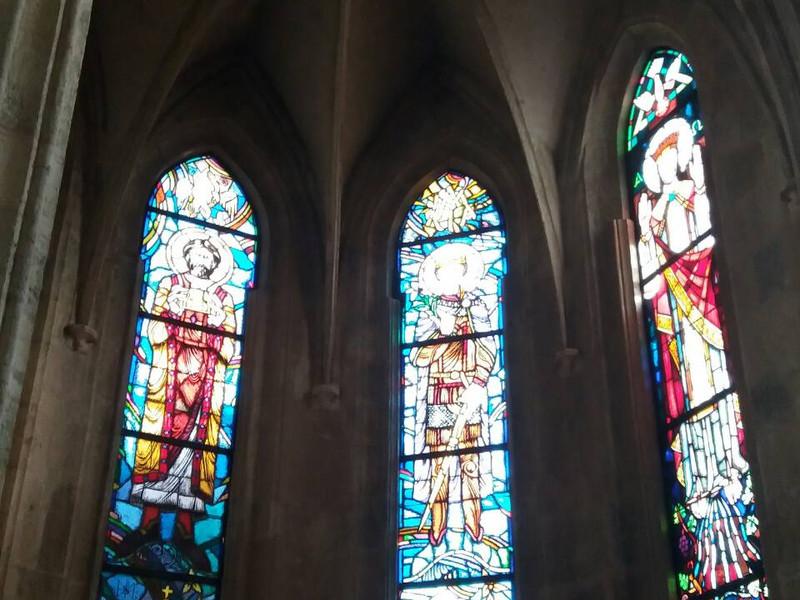 14.A Héderváry kápolna üvegablakai.jpg