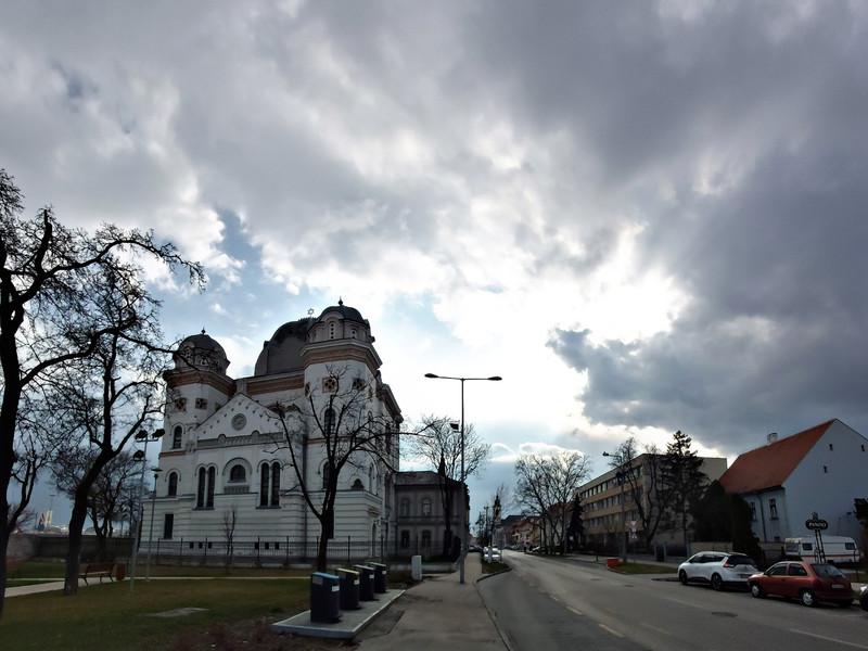 27.Zsinagóga a Kossuth utcán.jpg