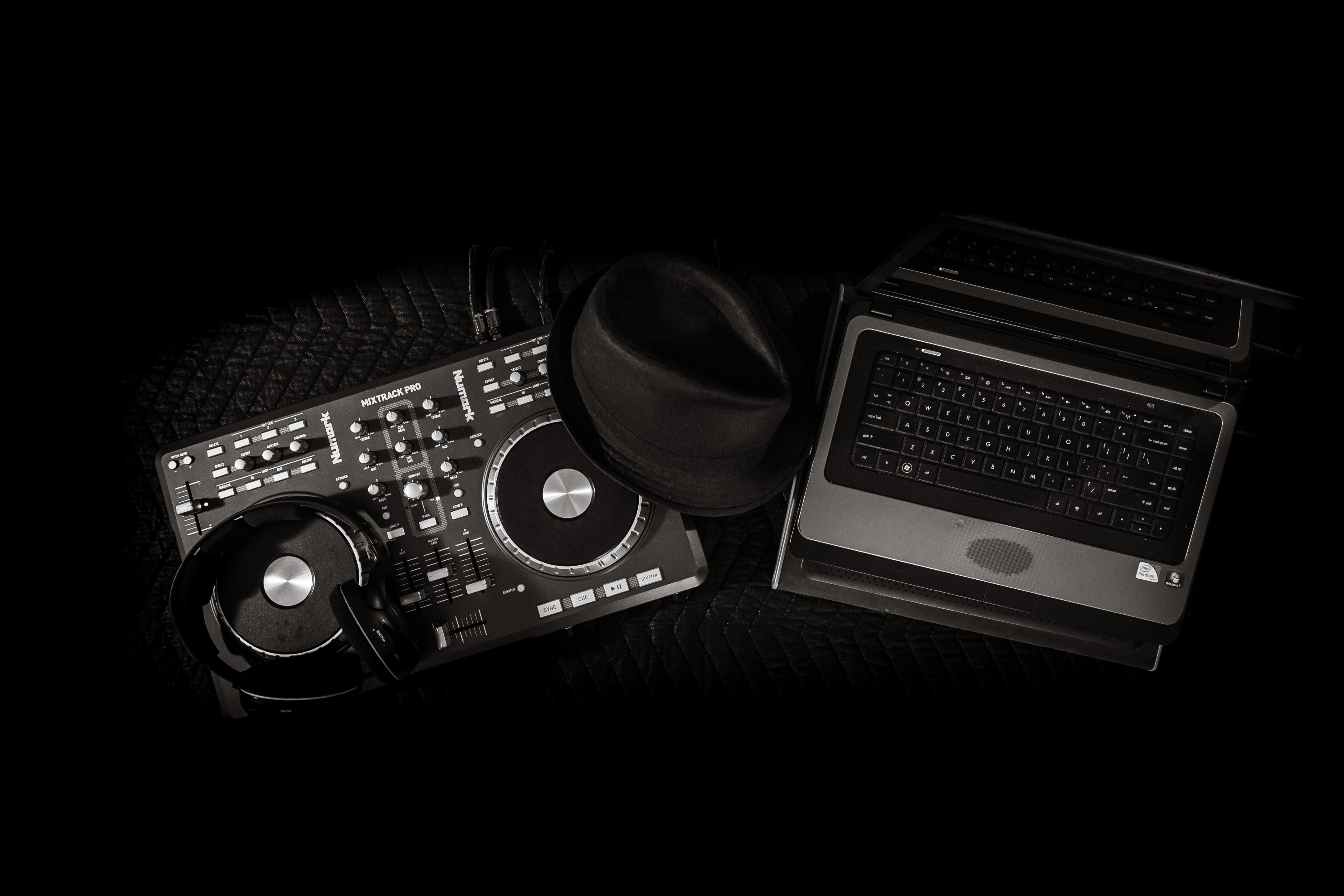 DJ Rob-49