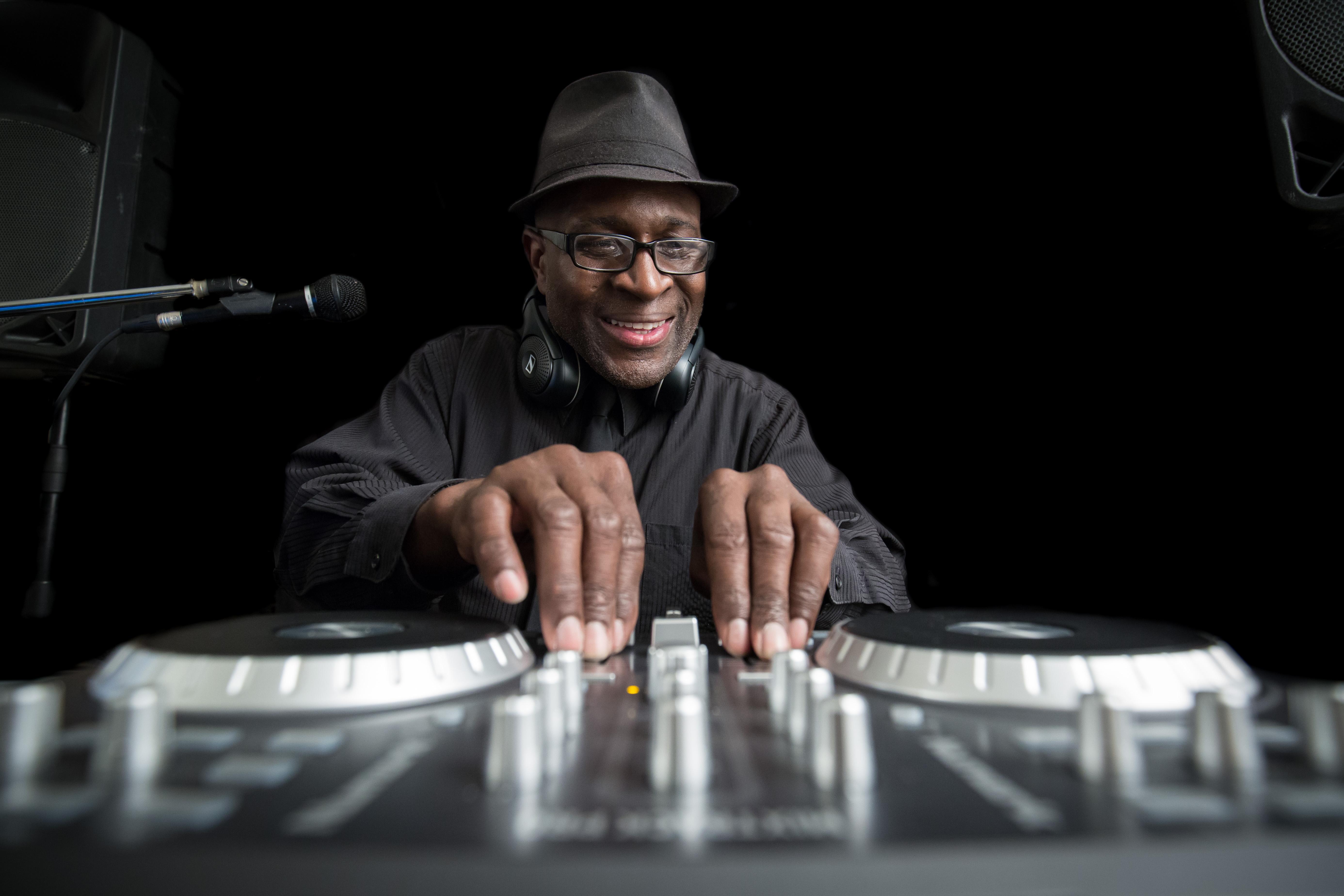 DJ Rob-70