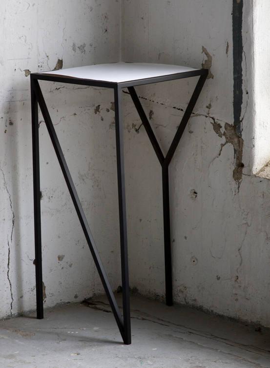 NY table  /  FAKTURA