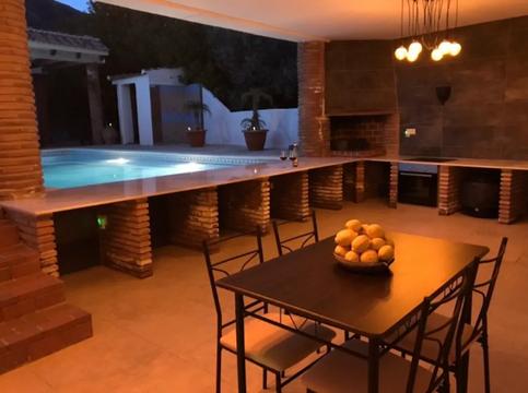 Luxury Kitchen-Dinner