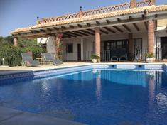 Zaha Pool