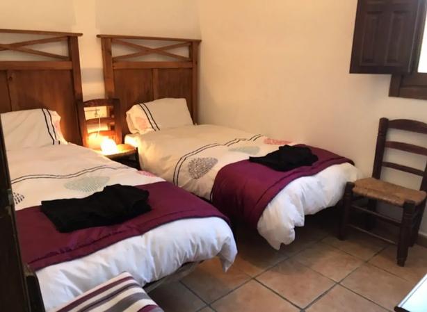 twin-bedroom.webp