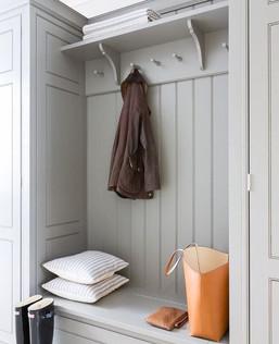 Simple-hallway-storage.jpg