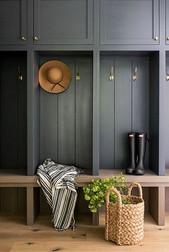 boot-room-in-grey-oak