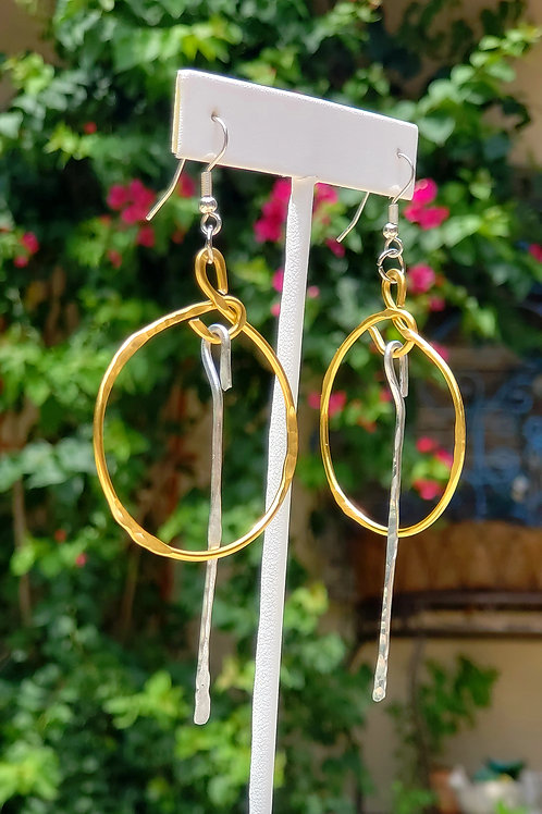 Gold Circle Pendulum Earrings
