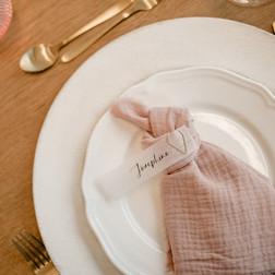 Hochzeitspapeterie auf Transparentpapier