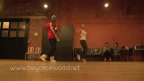 Beyoncé_rehearsing___Why_Don't_You_Love_