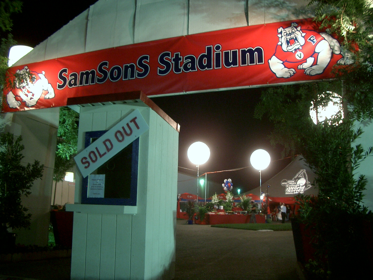 Fresno State SamSons Event Entrance