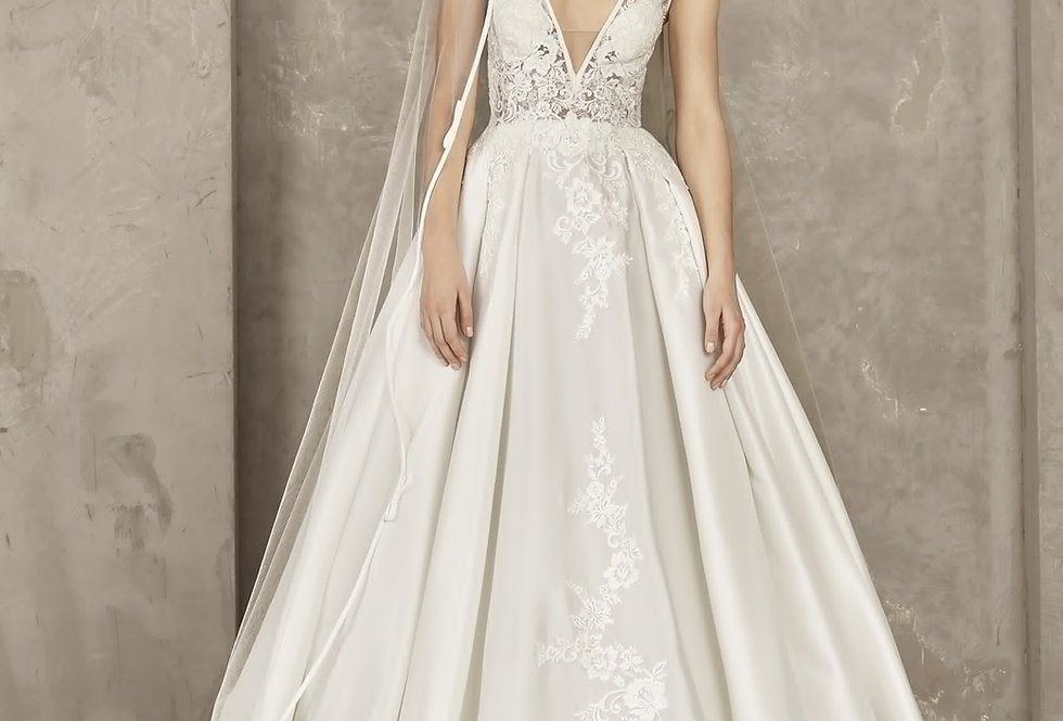 Pronovias Privee: Yorvin