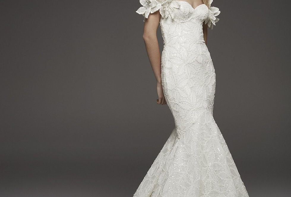 Atelier Pronovias: Hechizo (no sleeves)