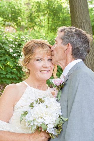 Kathy & Jeff, A Summer Backyard Wedding