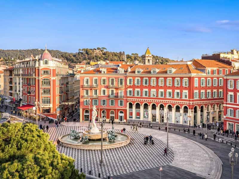 Plaza Massena en Niza, Francia. Desde Niza hasta Ventimiglia.