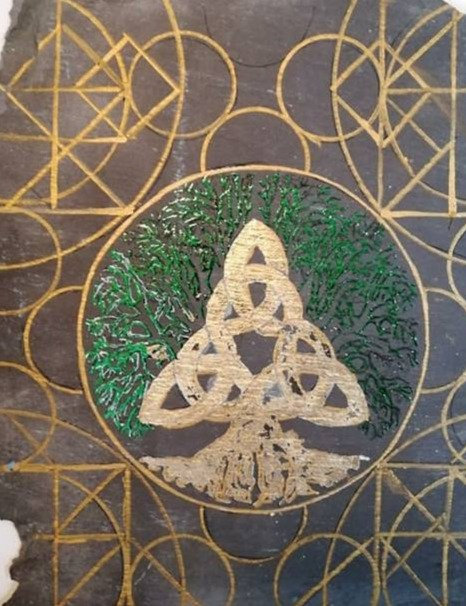 Tree of life geometric patterns gold green leaf