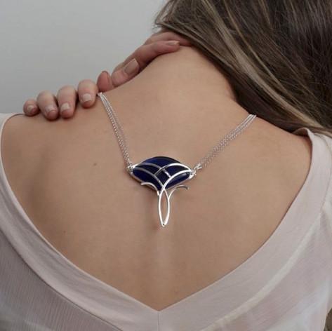 Colar Artnoveau Azul - R$ 840