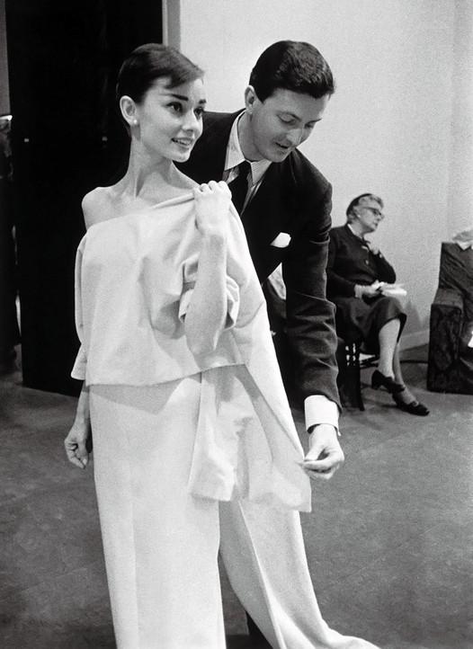Symbole de l'élégance à la française, Hubert de Givenchy s'en est allé...