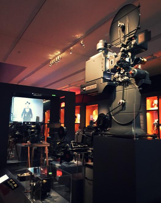De Méliès à la 3D : la machine cinéma. 120 ans de l'histoire du cinéma présentés à la cinémathèque.