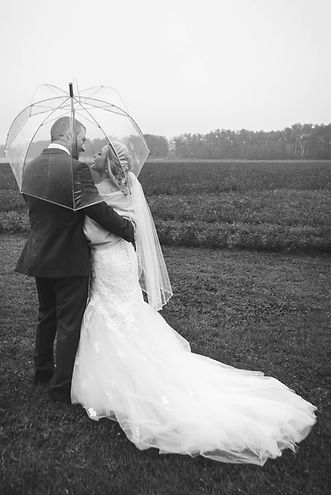Fall Alberta Wedding Photography - Black & white umbrella