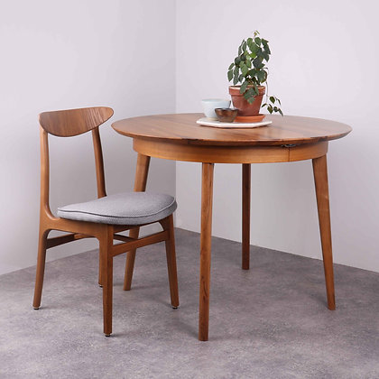 Table 220 Noyer
