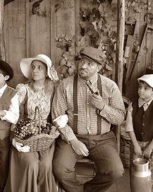 family-2149479_1920.jpg