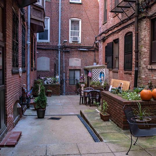 La Gemma Courtyard