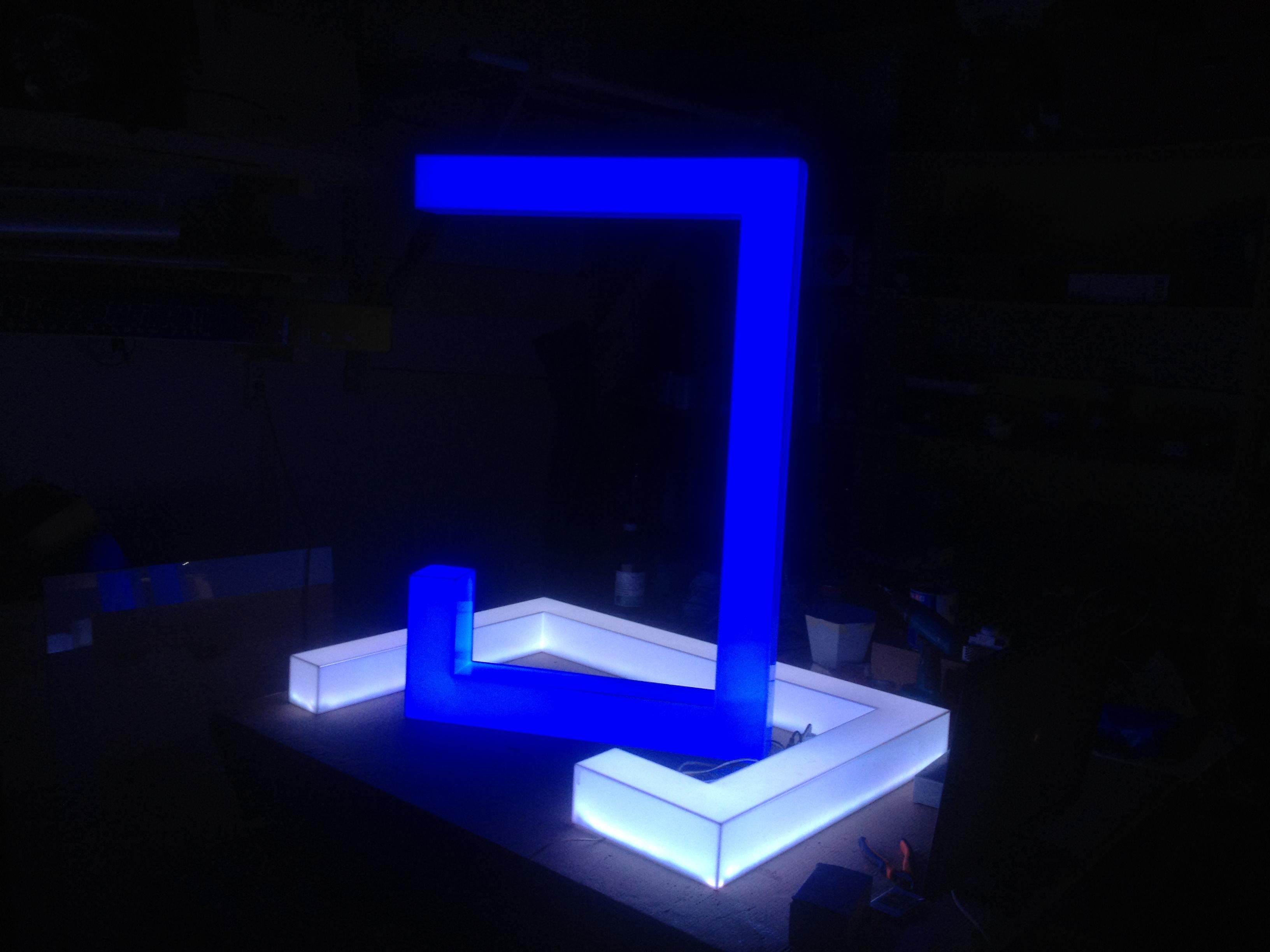 Акриловые LED светильники
