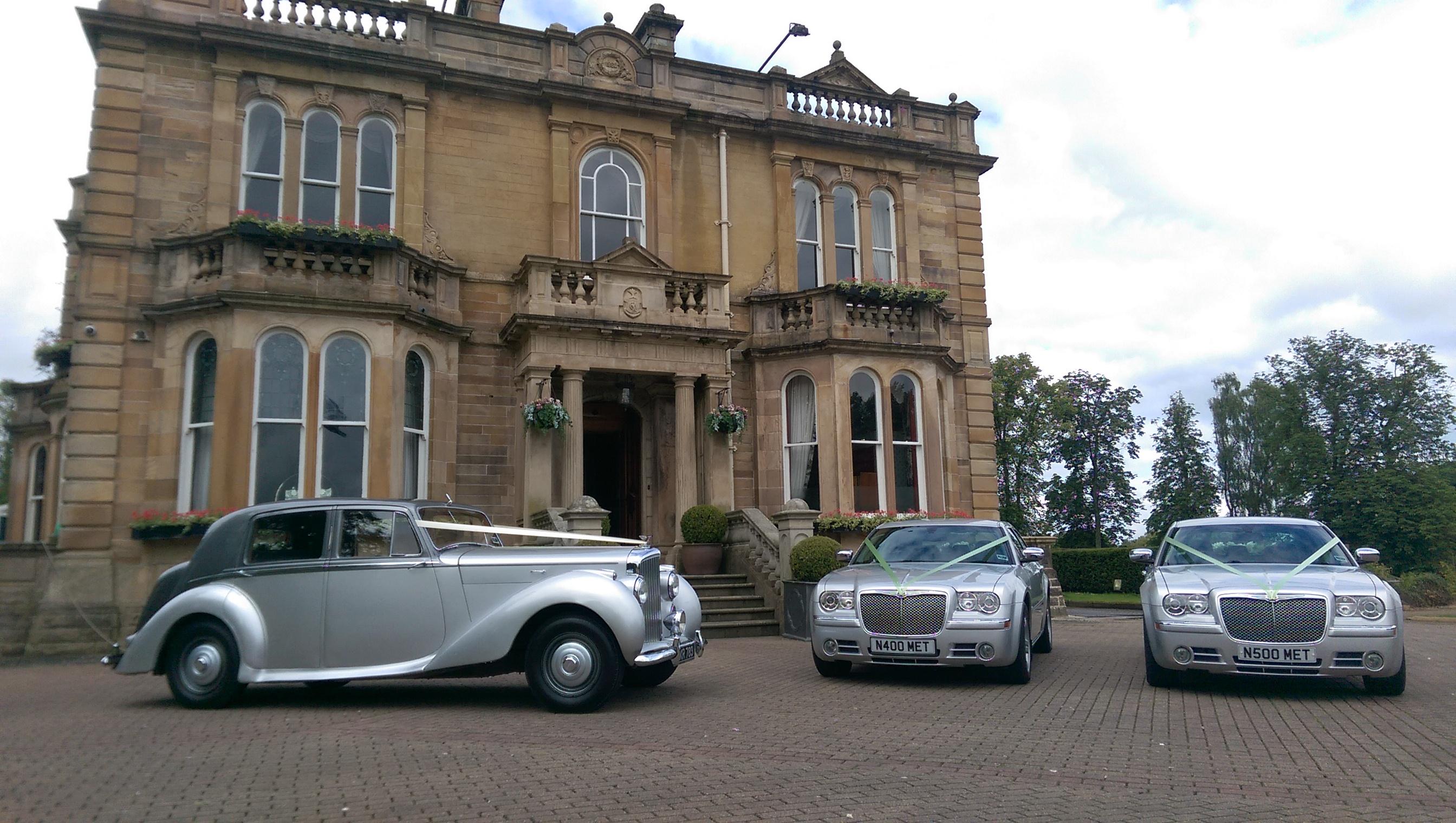 Bentley & 2 Chrysler 300C