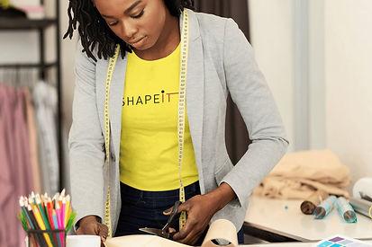 woman wearing shapeit gym & street wear t-shirt