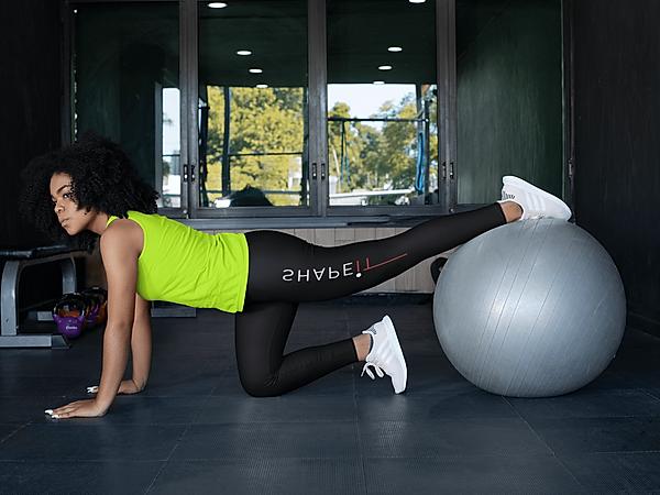 girl wearing shapeit gym and street wear leggings