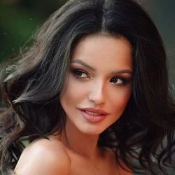 Лолита Буняева