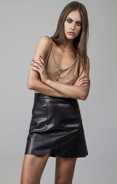 A line faux leather skirt with pockets