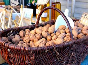 Marchés aux noix en Périgord Ribéracois